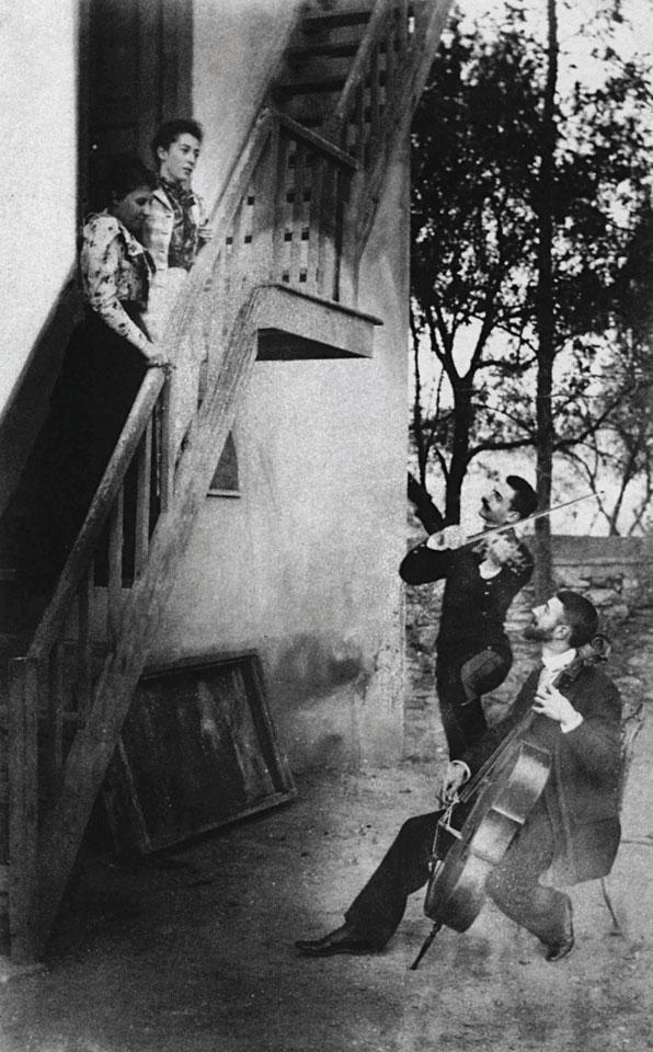 Серенада на Павлос Мелас (оној што личи на Борат) и брат му Леон за сопругите Наталија и Андромаха, 1890.