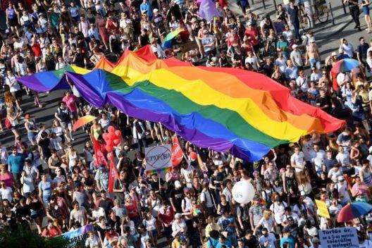 Новиот главен непријател на Орбан - ЛГБТИ