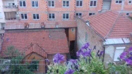 Чудовиштето што погледот од тераса ни го претвори во затворски
