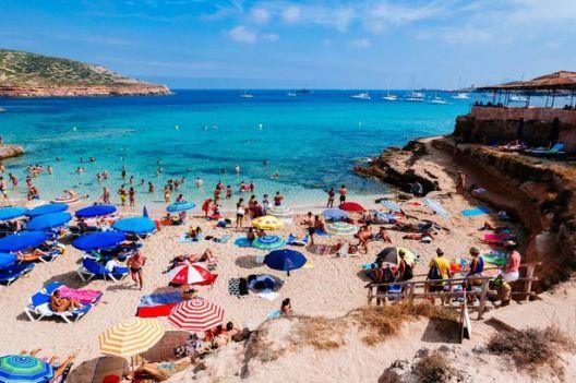 Повеќе од половина од граѓаните не можат да си дозволат годишен одмор, во ЕУ 29 %