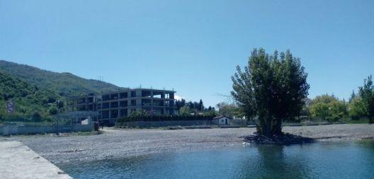 Екологистите бараат претседателот Пендаровски итно да го стави Охрид под привремена заштита