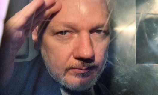 Британија го одобрила барањето за екстрадиција на Џулијан Асанж