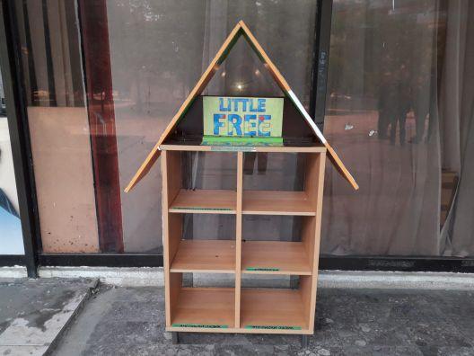 Библиотеката на отворено остана без книги зашто никој не ги враќал
