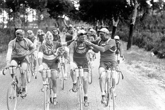 Лудо хаотичната историја на раниот Тур де Франс
