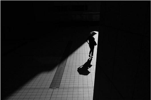 Осаменост меѓу милиони луѓе