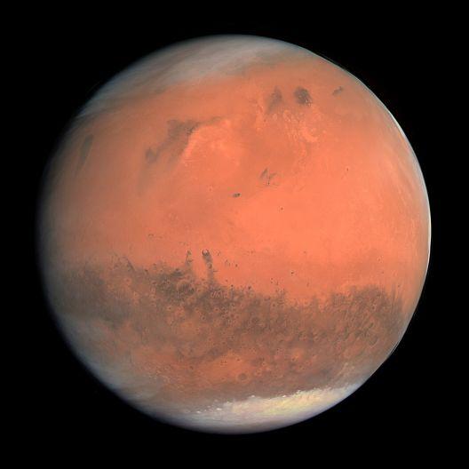 Истражувањата покажаа: 90 проценти од луѓето што не веруваат во слетувањето на Месечината се паднати од Марс