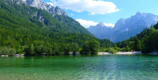 Словенија со Устав забрани продажба на изворите на вода за пиење