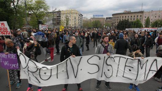 Дали граѓанското општество може да предизвика политички промени во Србија