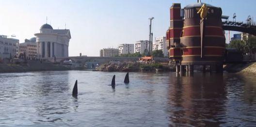 Уметноста, медиумите, јавното мислење и ајкулите во Вардар