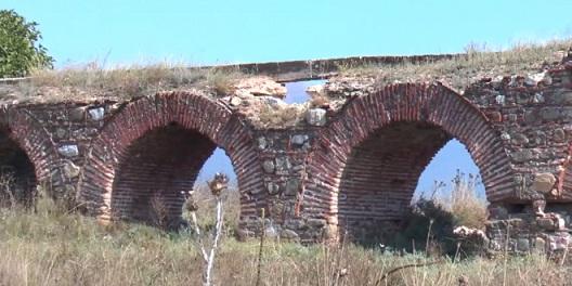СДСМ: Ќе го заштитиме аквадуктот кој е споменик на културата претворен во депонија за градежен шут