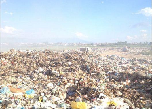 Не е решен проблемот со дивата депонија во Струга
