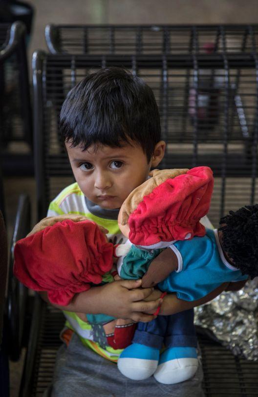 Не дозволувајте децата мигранти да скапуваат во притвори