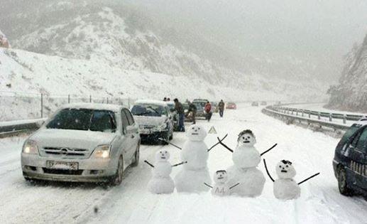 Како светот, а како Македонија се справува со снежна бура?