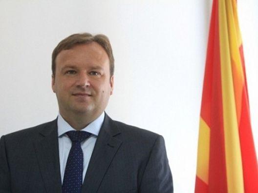 Наместо да одлучува по Устав и закон, Димитриев политизира за мандатот на Груевски