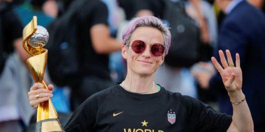 Сестринство и единство: Американската женска фудбалска револуција (2)