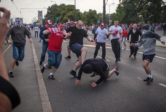 Фудбал, крв и пиво