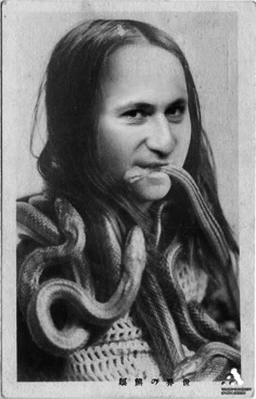 Foto montazhi od okno - Page 14 Grujo-grize-zmija(1)