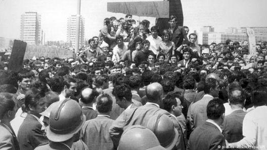 1968 во Југославија - непријатели од сите бои