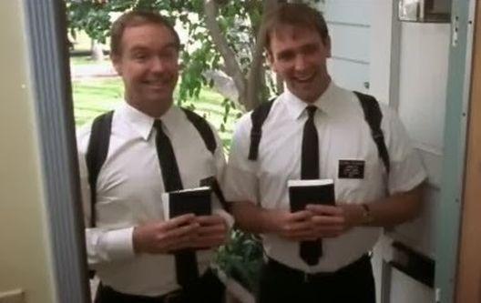 Јеховини сведоци: Помош од Влада или ќе одиме од врата до врата