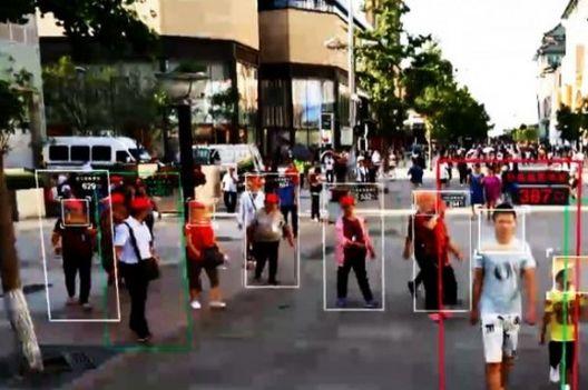 Иднината пристигна, има од што да се плашиме: Кина воведува морничав систем за надзор и бодување на луѓето
