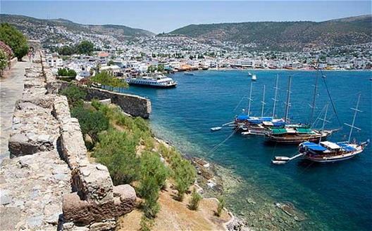 Анализа: Кипар помеѓу два табори - Тројката или Русија