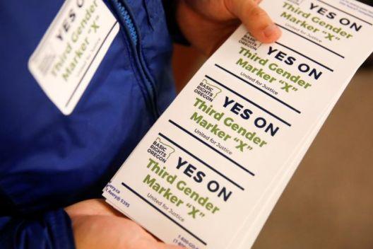 Орегон е првата држава во САД која ќе понуди трета опција за родот на личните документи