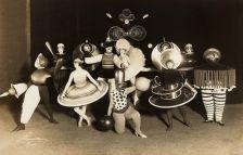 Сите танцуваат - 100 години Баухаус