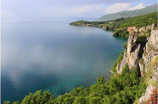 Охридското крајбрежје сè уште се бетонира