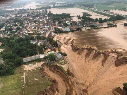 Научниците шокирани од интензитетот и размерот на поплавите во Германија