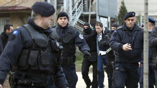Српските и косовските политичари предупредуваат дека на регионот му се заканува смиреност на тензиите