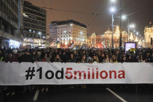 Српските граѓани не веруваат ни во власта ни во опозицијата