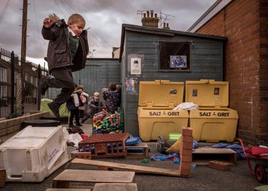 Детско игралиште кое делува баш опасно