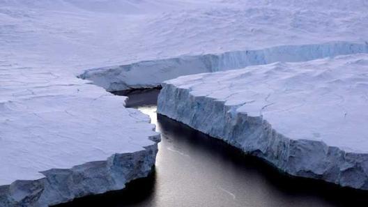 Леден брег четири пати поголем од Лондон се одвои од Антарктикот