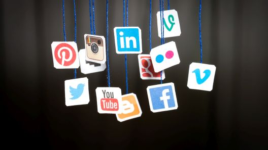 Како Фејсбук и Инстаграм нè претвораат во зависници