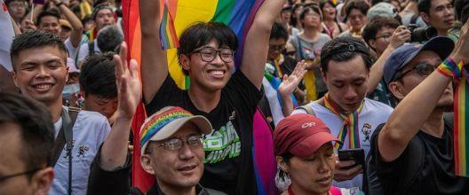 Тајван - прва земја во Азија што ги легализираше истополовите бракови