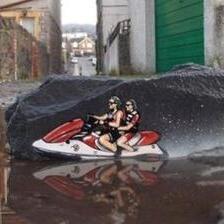 Уметник ги прави улиците помалку здодевни создавајќи графити што комуницираат со околината