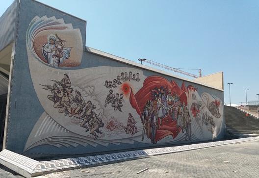 """Муралот на плоштадот """"Скендербег"""" е злоупотреба на уметноста"""